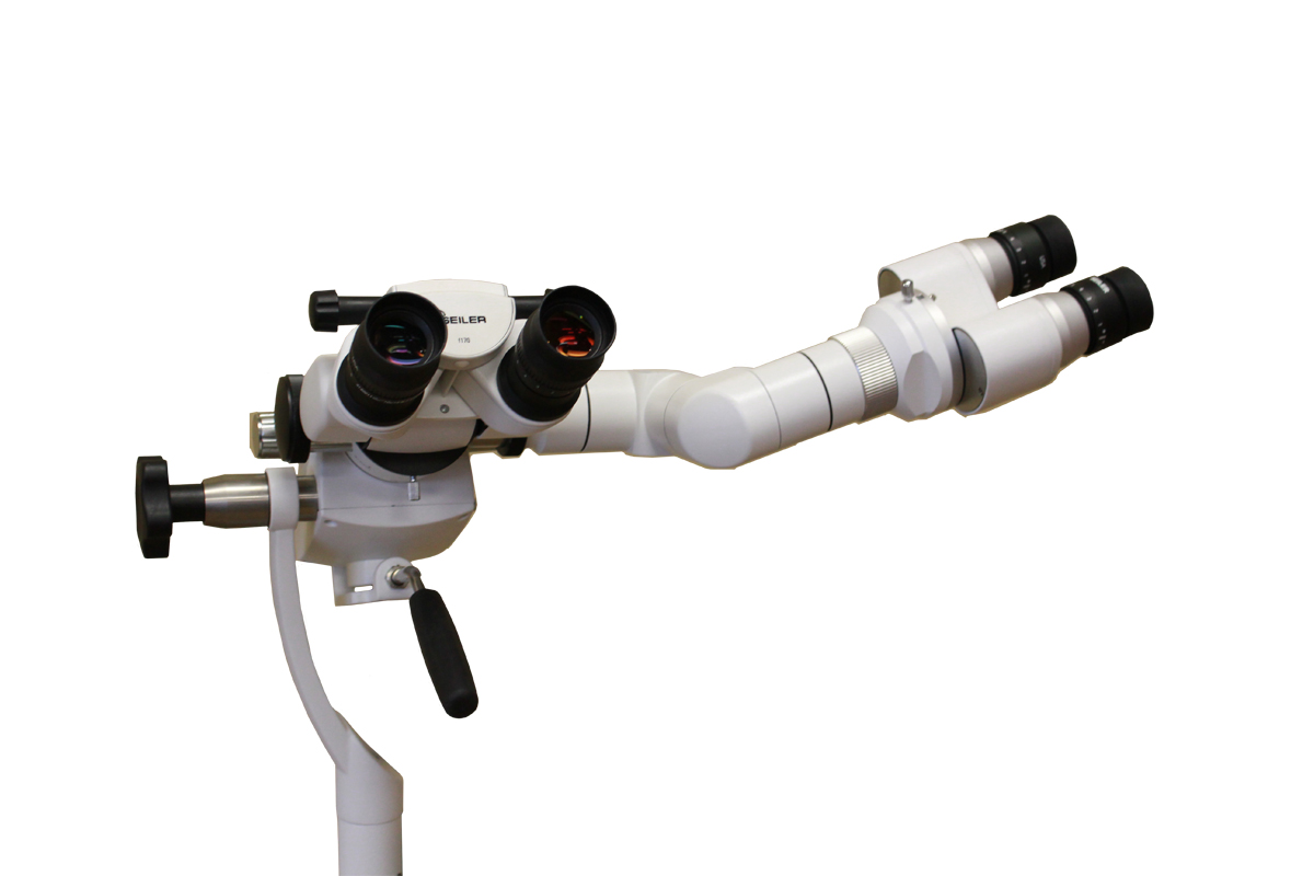 3D observer with assistant head on colposcope